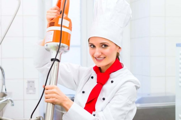 Chef preparing ice cream with food processor